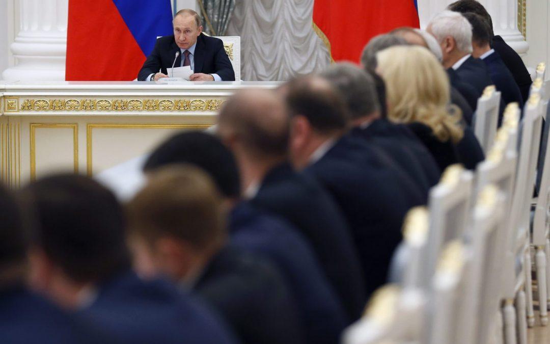 Czarne chmury nad kadrowcem Putina