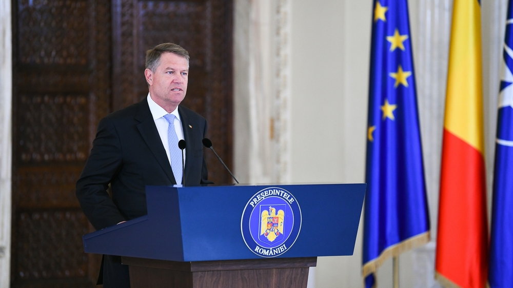 Romanian Justice Minister decision to remove DNA's anti-graft prosecutor. Iohannis in the spotlight