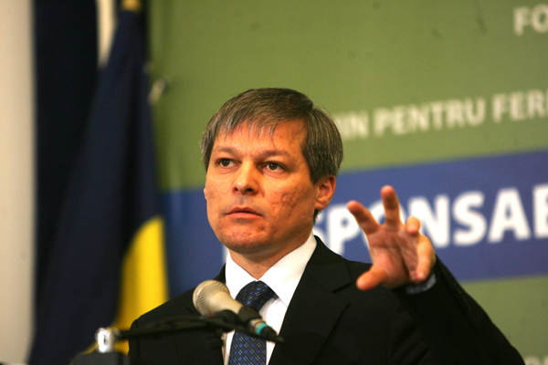 Former PM Dacian Ciolos to Start a New Political Party
