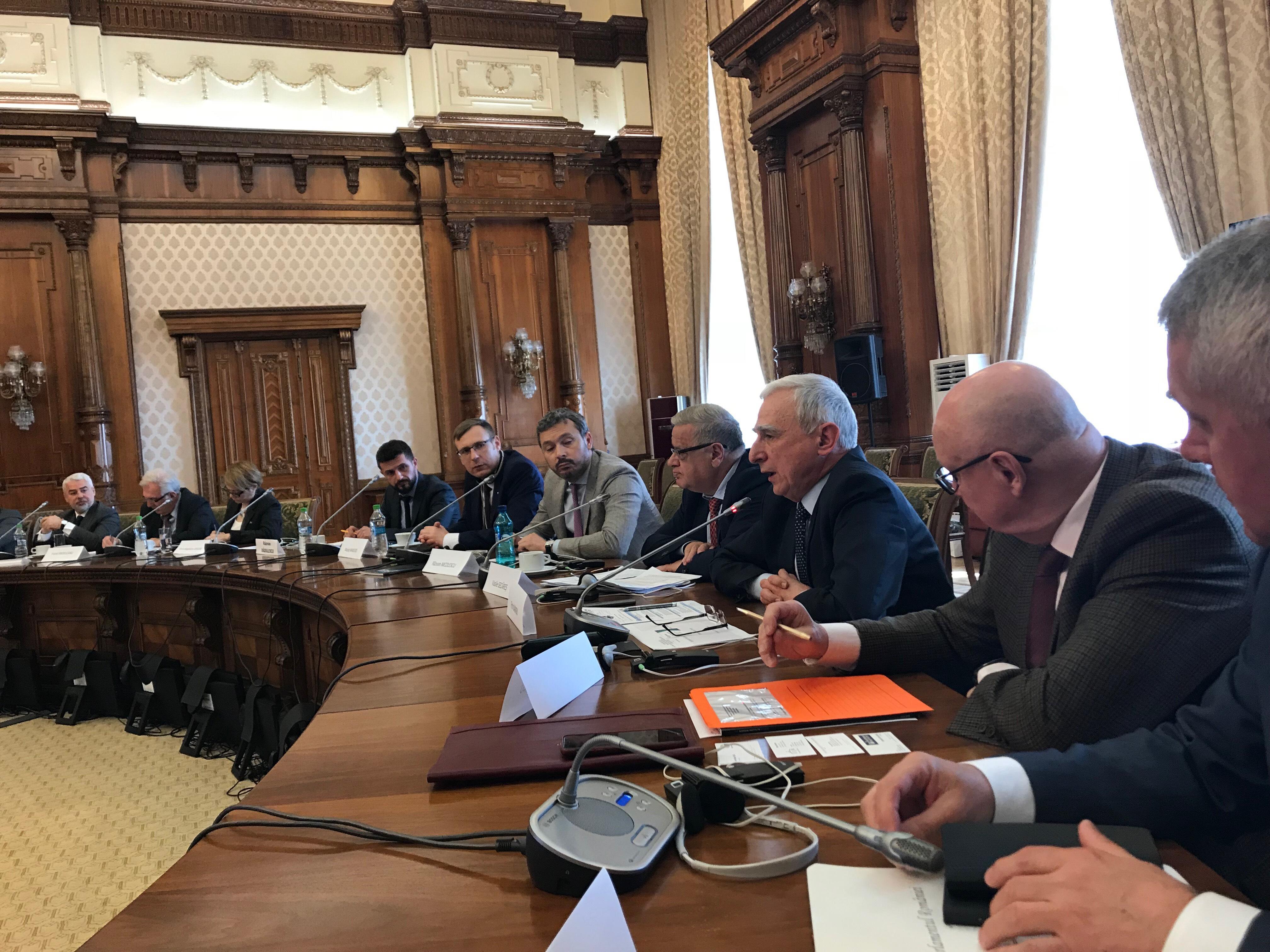 Piotr Naimski – Sekretarz Stanuw Kancelarii Premiera RP przemawia na Konferencji Warsaw Institute w Bukareszcie