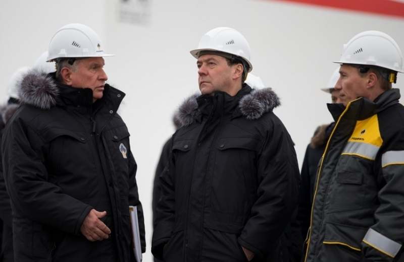 The Kremlin's help to indebted Rosneft