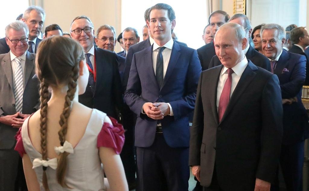 Putin w Austrii. Przyjacielska wizyta w oparach gazu