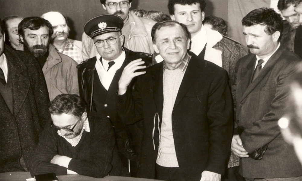 Były prezydent Ion Iliescu z zarzutami prokuratorskimi