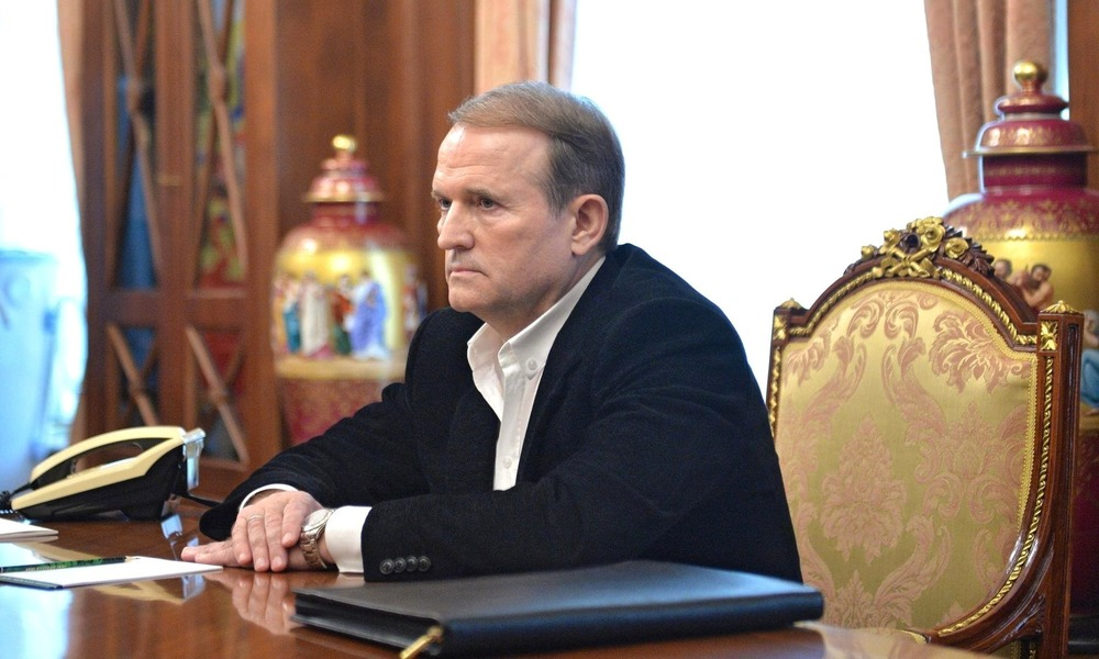 Medvedchuk at Gunpoint. Russia in the Electoral Campaign