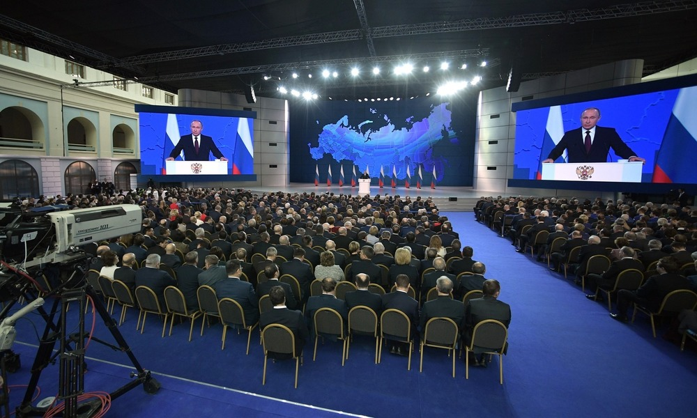 Putin's Presidential Address Full of Promises and Threats