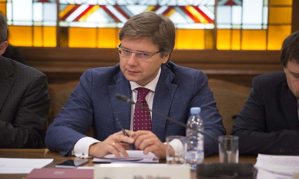 Mayor of Riga Dismissed from Office: Polish Clue, Russian Failure