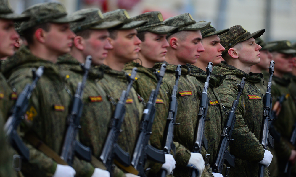 Putin Announces End of Compulsory Military Service in Russia