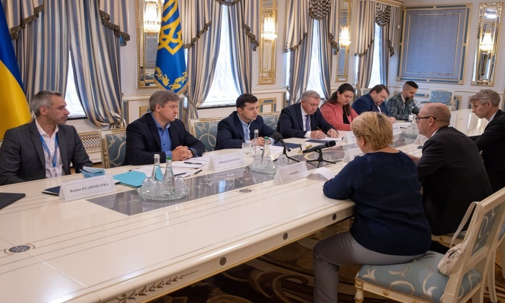 Kolomoyskyi and the IMF – a problem of Zelensky