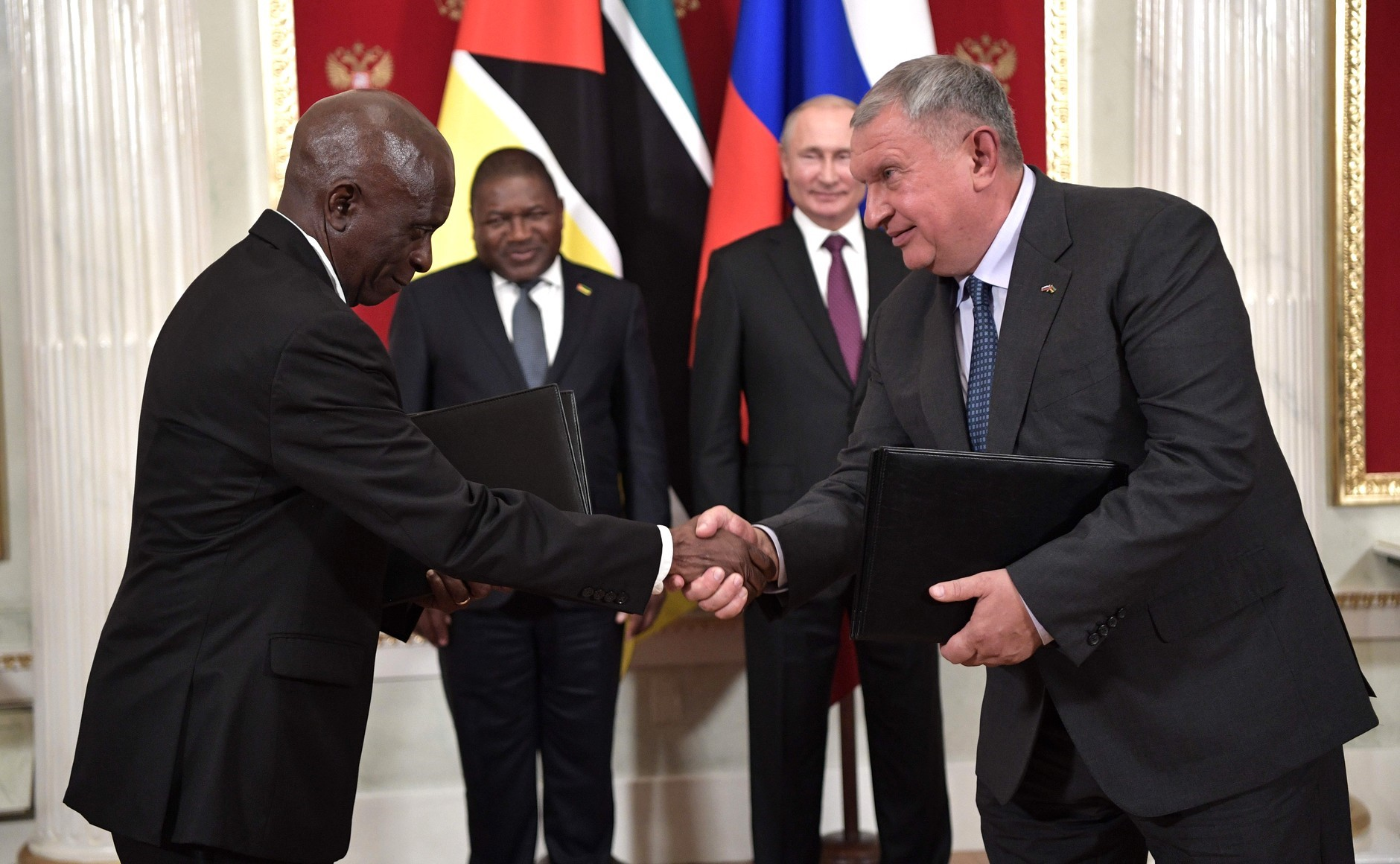 Mozambican President Visits Moscow, Rosneft Reaps Benefits