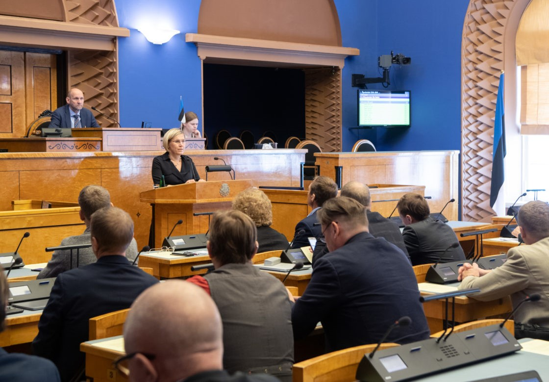 Estonia: The Opposition Faces Major Defeats in Parliament and Loses Support in Ratings