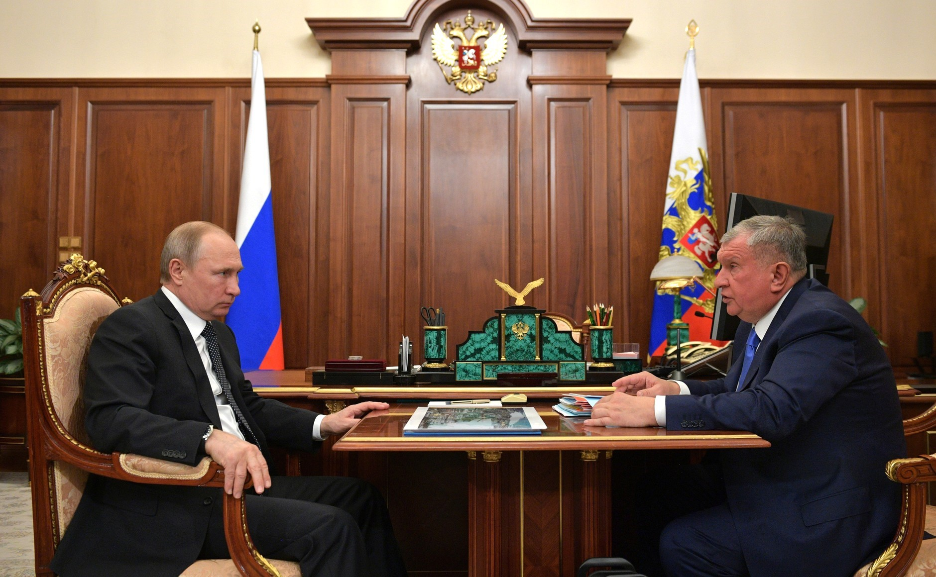 Rosneft's Sechin: Oil Cluster in the Arctic Only With State Aid