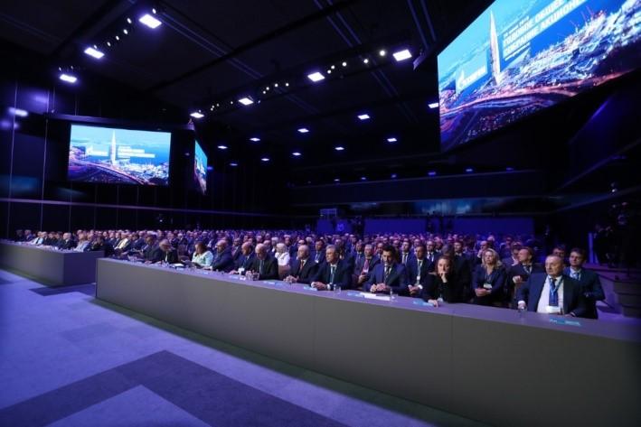 Prezes Gazprombanku: pakiet akcji Gazpromu trafił w ręce rosyjskie
