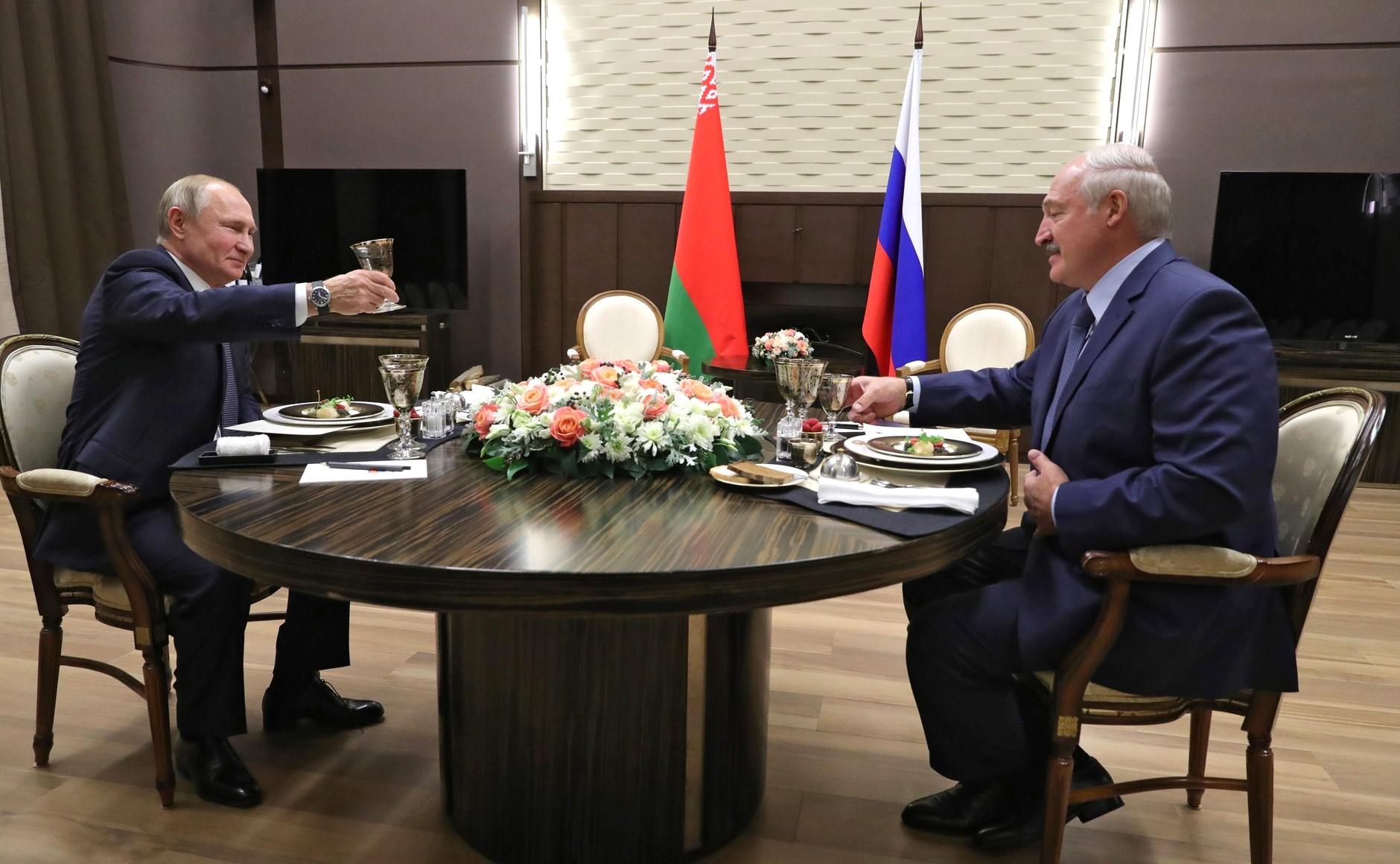 Rosja połknie Białoruś? Najtrudniejszy egzamin Łukaszenki