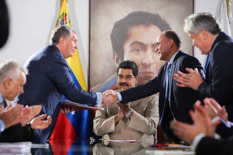 Rosnieft ucieka z Wenezueli. Podwójna korzyść Sieczina