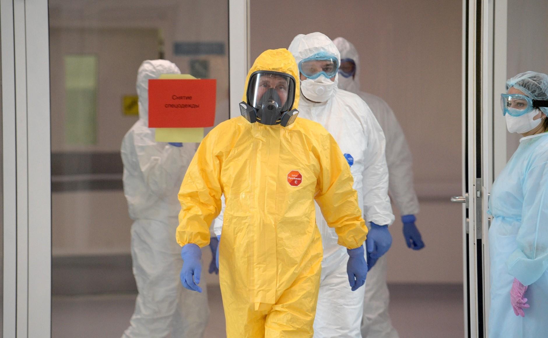 Russia's Coronavirus Cases Prompt Putin to Change Strategy