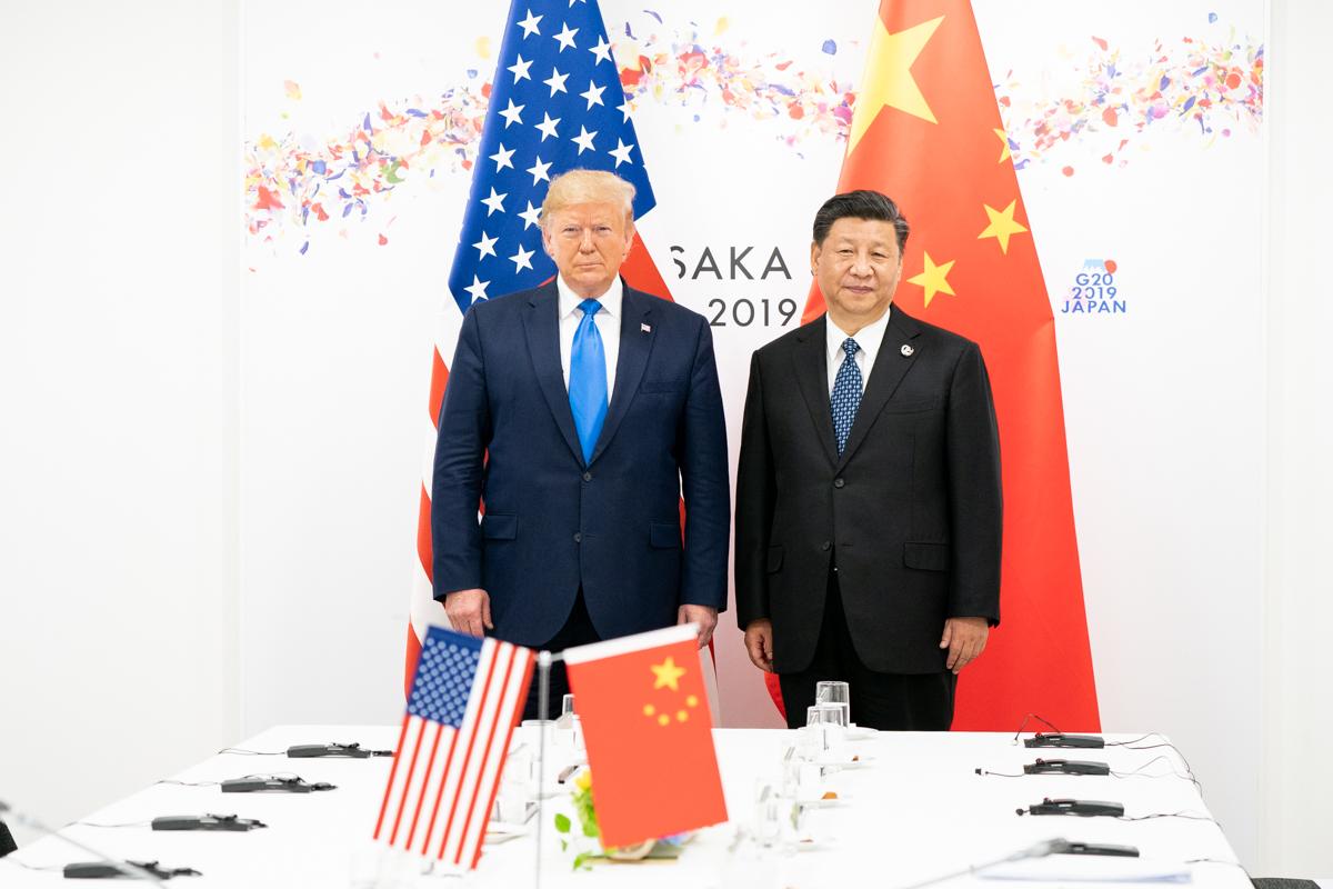 Wojna handlowa Chiny-USA: geneza, przebieg i skutki