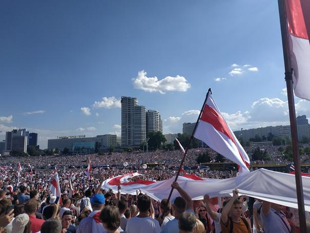 Dzień 19 – Obława na dziennikarzy, antypolska retoryka, Putin straszy interwencją