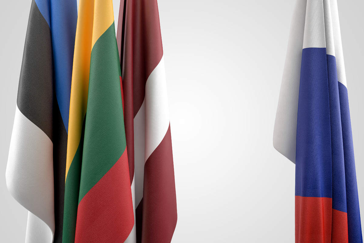 Baltic States Versus Russian Hybrid Threats