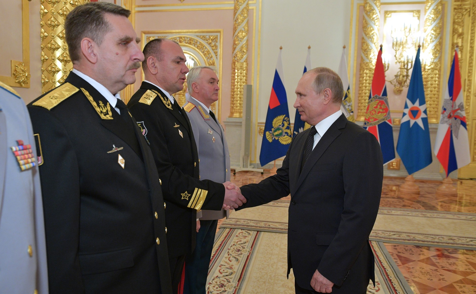 Putin Promotes Northern Fleet Commander, Strengthens the Arctic