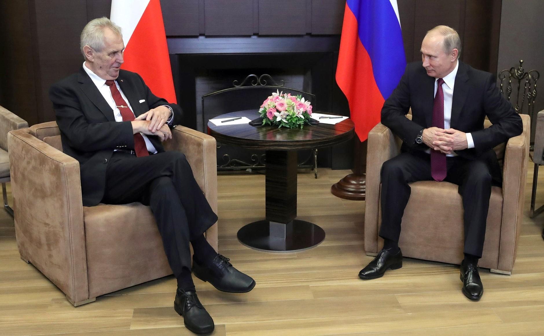 Sabotaż GRU w Czechach. Prezydent Zeman sprzyja Moskwie