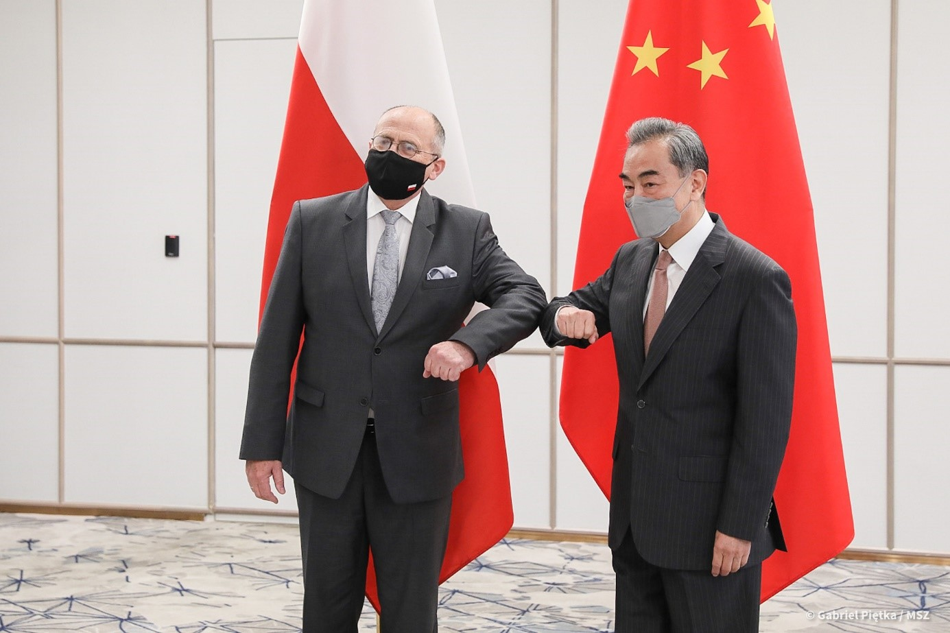 Foreign Ministers of Poland and Hungary in China