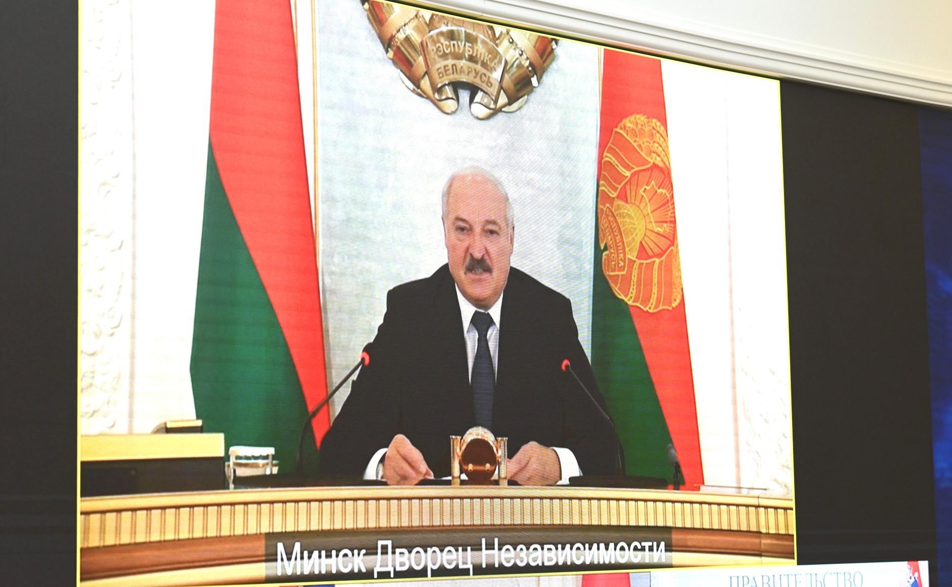 Putin wspiera Łukaszenkę pod sankcjami UE