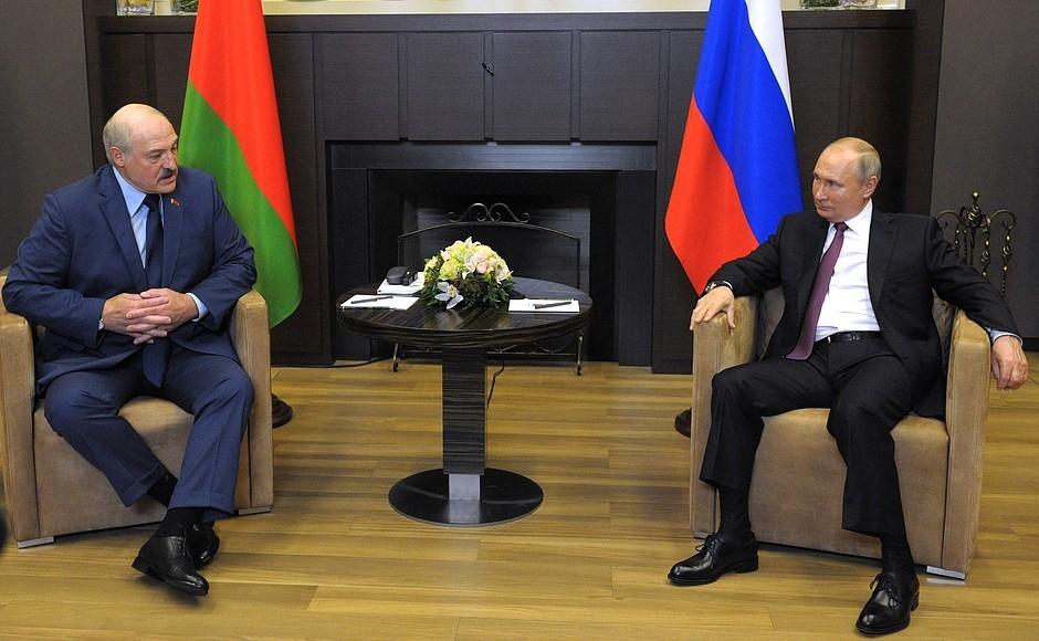 Hołd białoruski. Łukaszenka odda kraj Rosji?