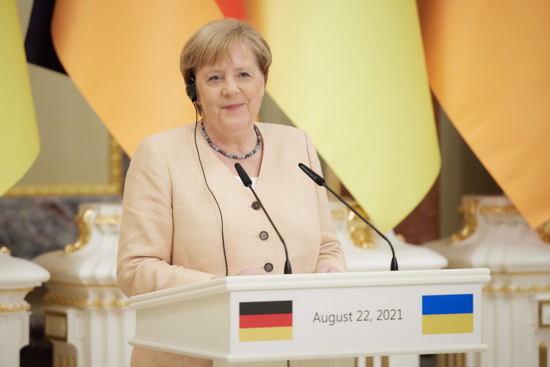 Finał Nord Stream 2: pozorowane ruchy USA i Niemiec, triumf Putina