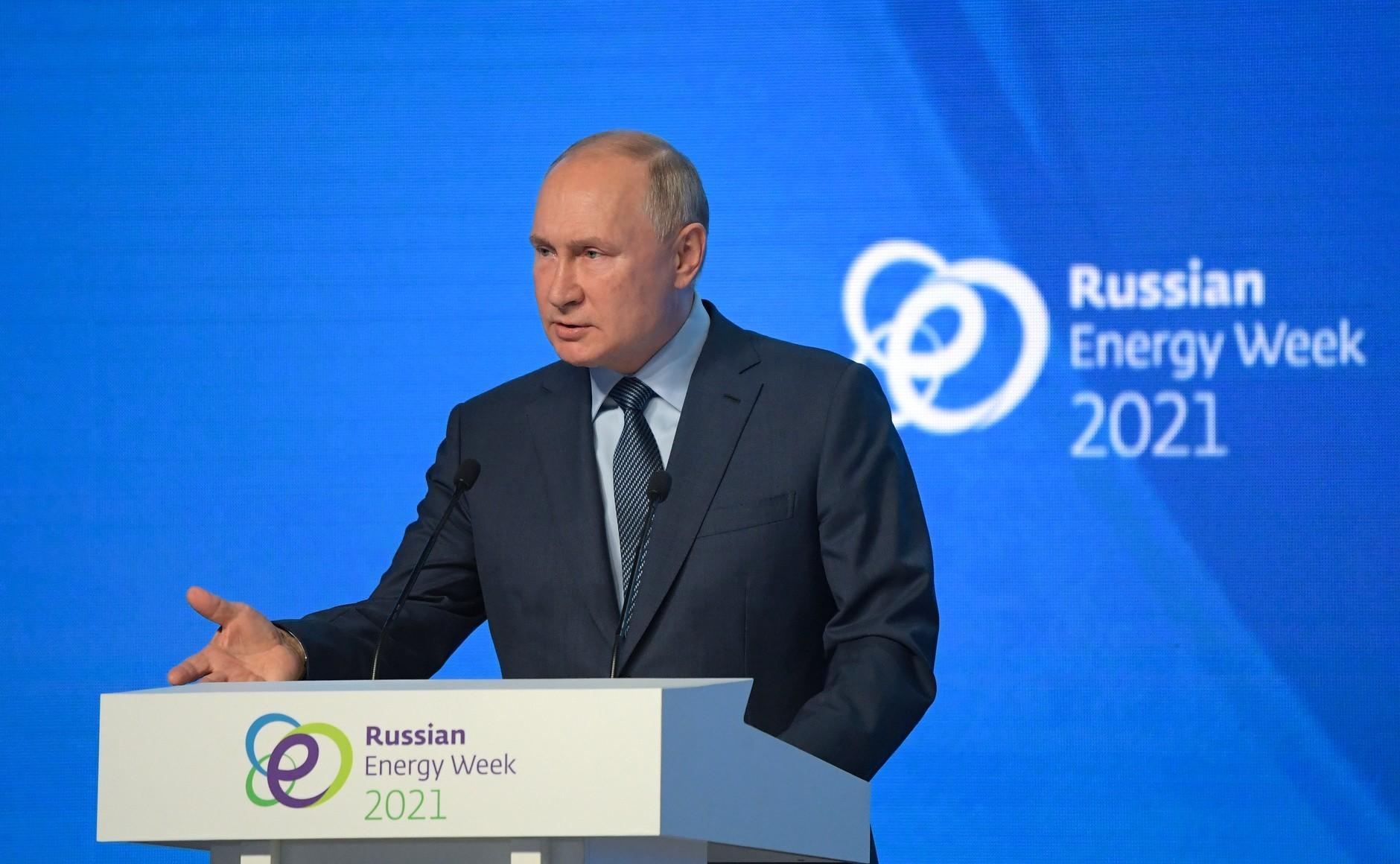 Putin Intimidates Ukraine, Blackmails EU